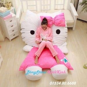 giường gấu bông mèo kitty