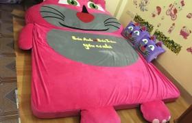 nệm thú bông hình mèo màu hồng